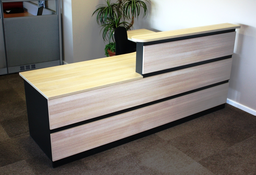 LONG PANELLED RECEPTION COUNTER